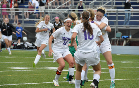 Soccer Advances to Semifinals