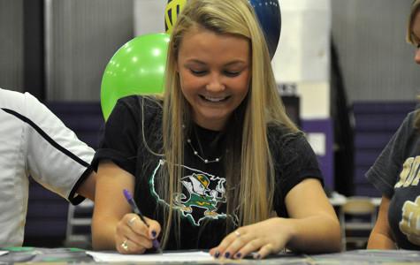 Heide Signs for University of Notre Dame Softball