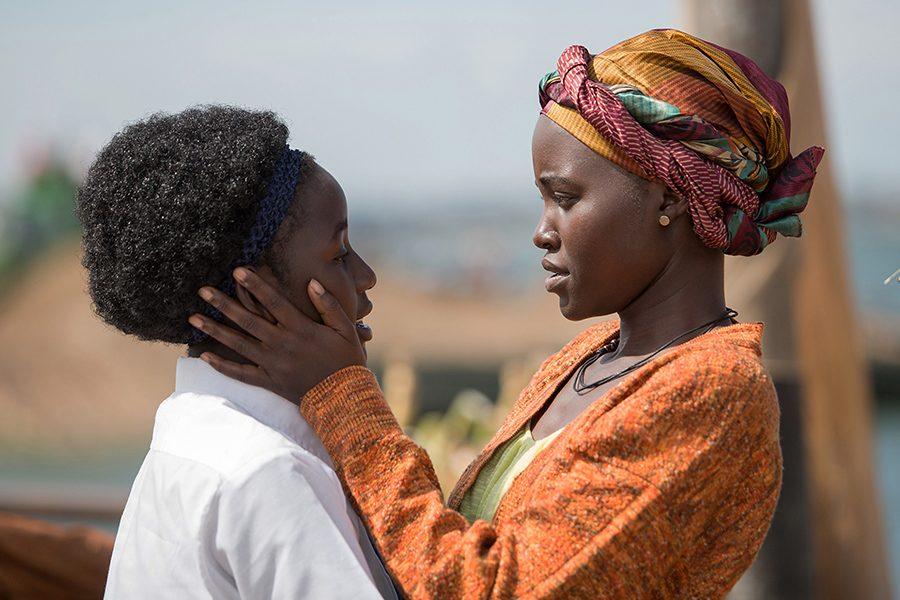 Piona Mutesi (Madina Nalwanga) is encouraged to stay humble and grateful by her mother, Nakku Harriet (Lupita Nyong'o).