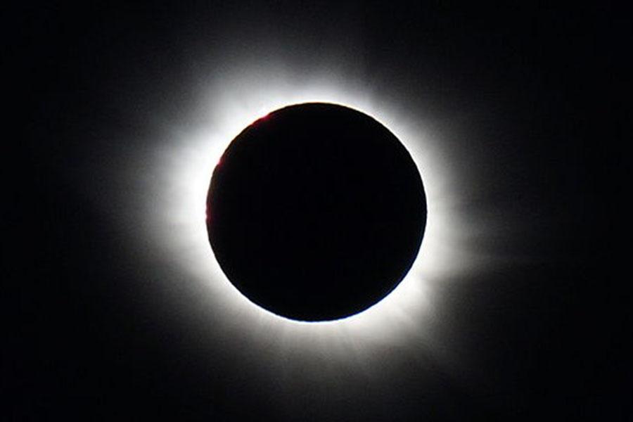 A+total+solar+eclipse+that+took+place+in+Longyearbyen%2C+Spitsbergen
