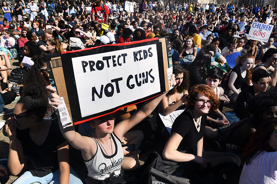 Hundreds+of+high+school+and+middle+school+students+gather+in+front+of+the+White+House+in+support+of+gun+control+in+the+wake+of+the+Florida+shooting%2C+Wednesday%2C+Feb.+21.