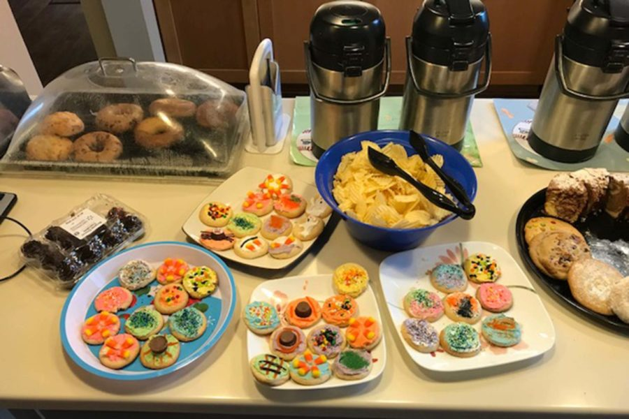 Members of the freshman class baked and decorated cookies for the families in the Kansas City Hospice House Oct. 10.