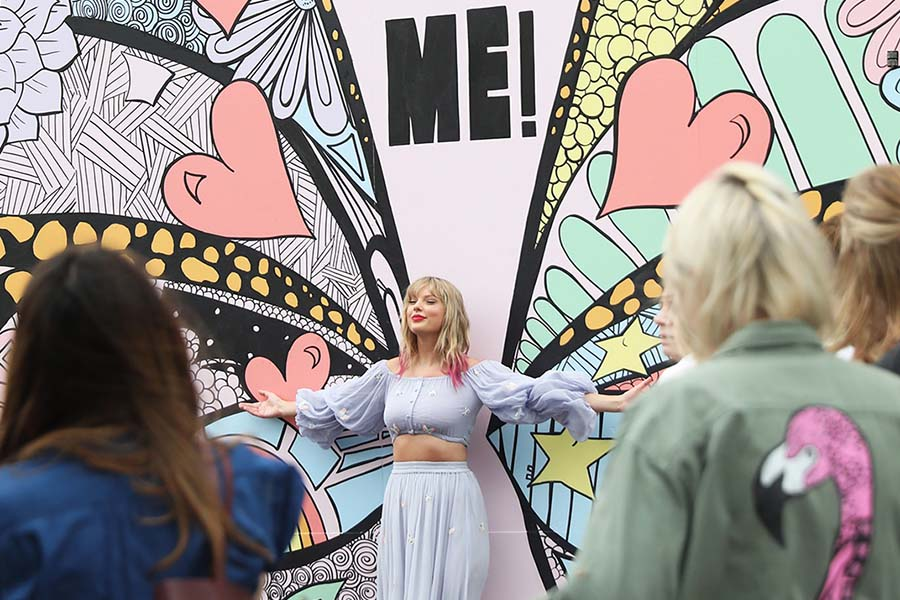 In advance of her new song release, Taylor Swift surprises fans at the new Kelsey Montague