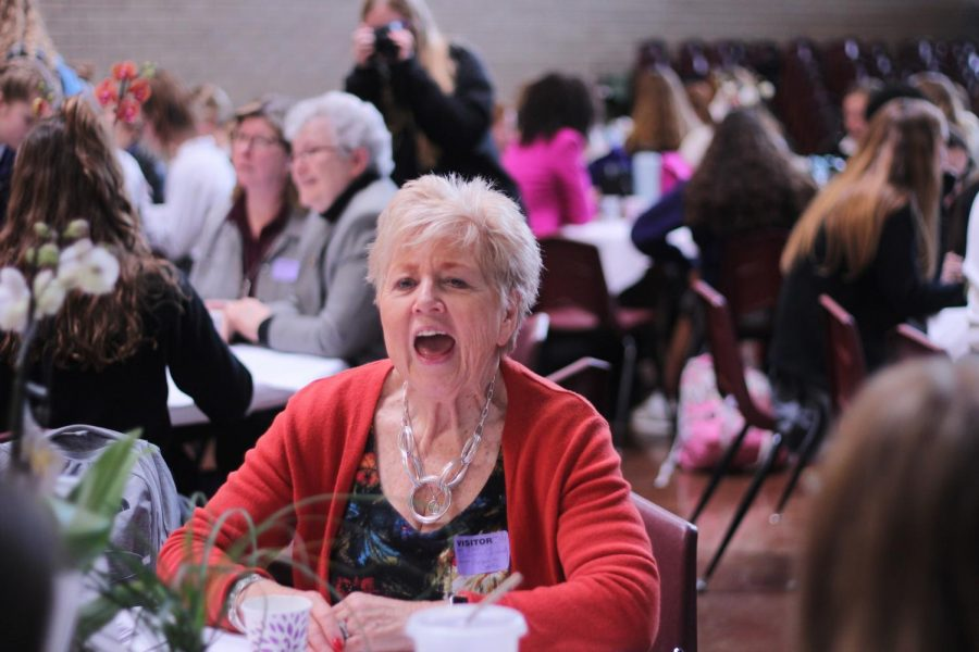 Reverend+Sharon+Cantrell+talks+to+the+students+at+her+table+on+Jan.+29+at+the+annual+Women+in+Ministry+Luncheon.%0A