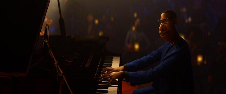 Joe Gardner (Jamie Foxx) , a part-time music teacher, perseus his dream of sharing his musical talent.